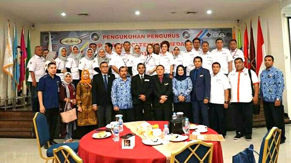 Pengukuhan DPP Ikaba Poltekpar Medan