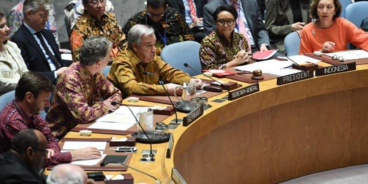 Keren! Para Delegasi Dewan Keamanan PBB Ramai-ramai Pakai Batik dan Tenun