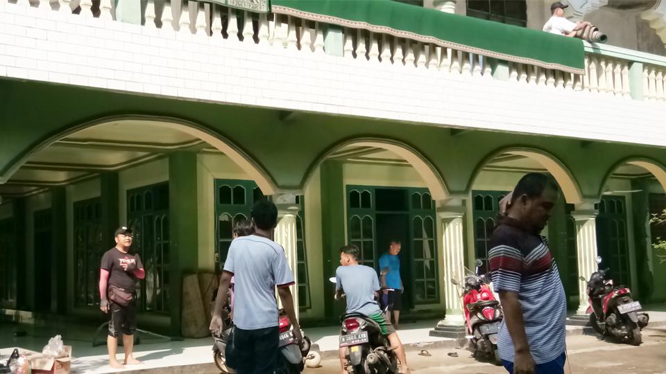 Gotong Royong Sambut Ramadhan