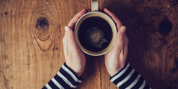 Penelitian Terbaru:  Minum 25 Gelas se-Hari  Aman untuk  Jantung