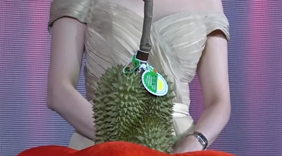 Busyet,  Satu Durian Terjual Rp 680 Juta