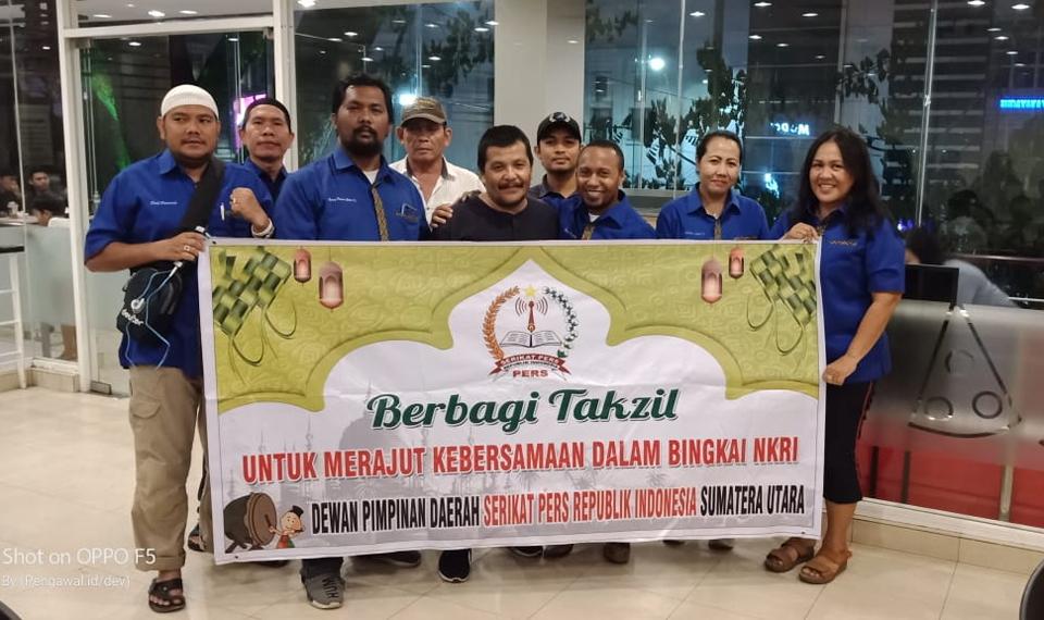 DPD SPRI Sumut Berbagi Takjil di Penghujung Ramadhan