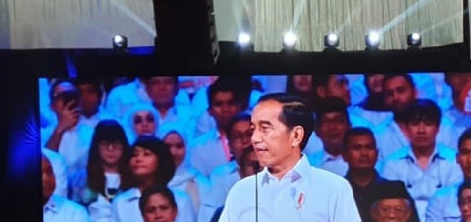 Jokowi: Akan kita paksa untuk mau