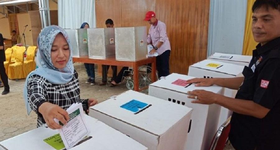 Jokowi-JK Catat Sejarah Gelar Pemilu Serentak Terbesar di Dunia
