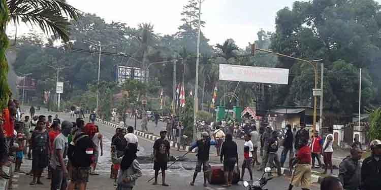 """Jokowi: """"Pace, Mace, Mama-mama di Papua, Saya Tahu Ada Ketersinggungan"""""""