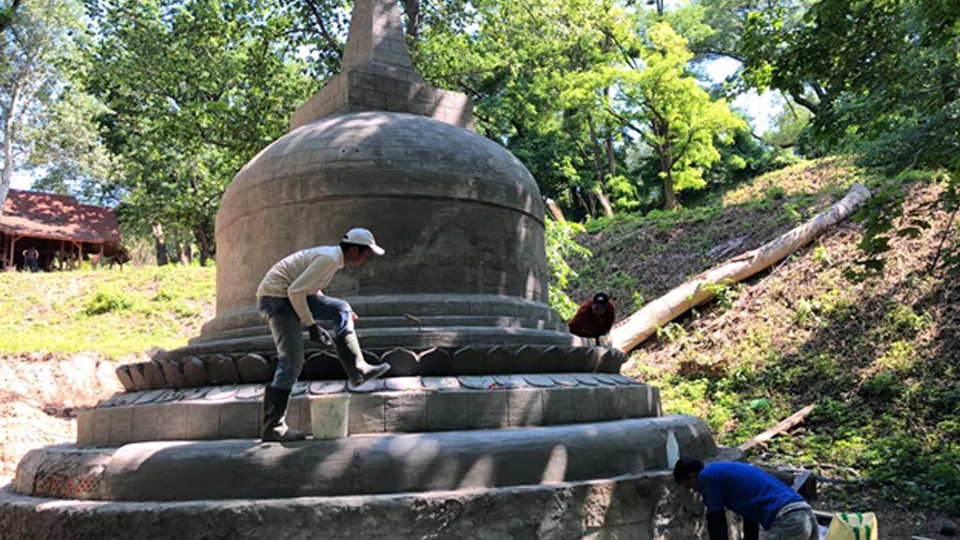 Stupa Borobudur di Ukraina