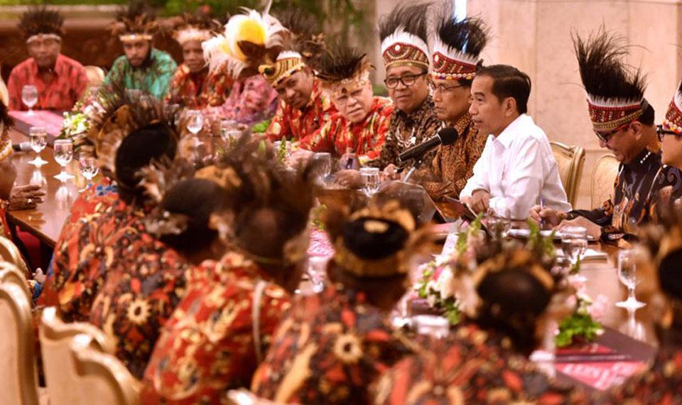 Janji Jokowi: 1000 Lulusan Asal Papua-Papua Barat akan Diterima Bekerja di BUMN dan Swasta Besar