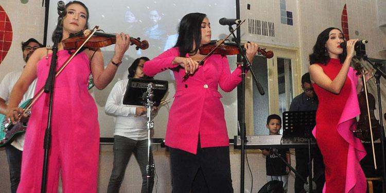 'Kamila' Trio Violinis Mewarnai Musik Indonesia