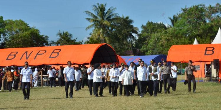Kunjungi Korban Gempa Ambon, Jokowi: Yang Rusak Berat Dibantu Rp50 Juta