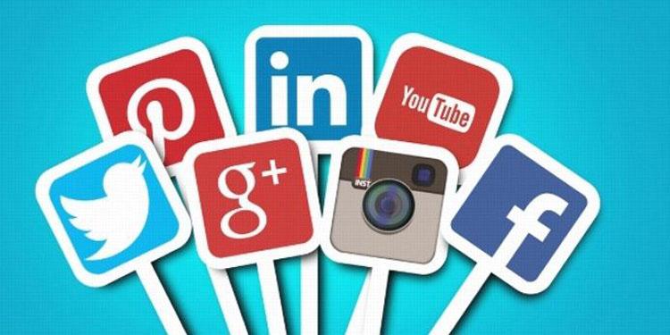 Matinya Etika Pendengung Media Sosial