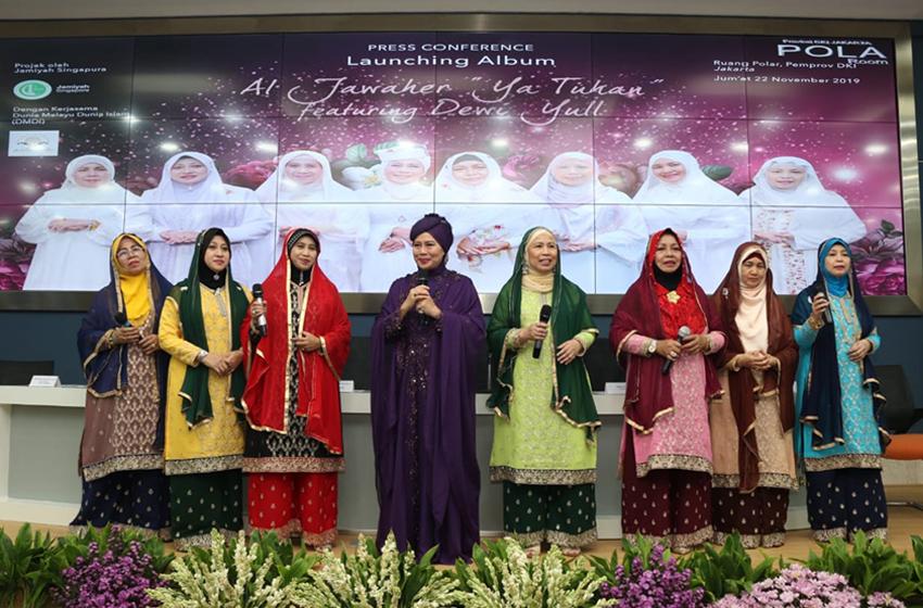 Kolaborasi Nasyid Melayu Dewi Yull dan Chossy Pratama