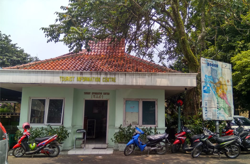 Tourist Information Center, Taman Topi Bogor. (foto: aliefien s)