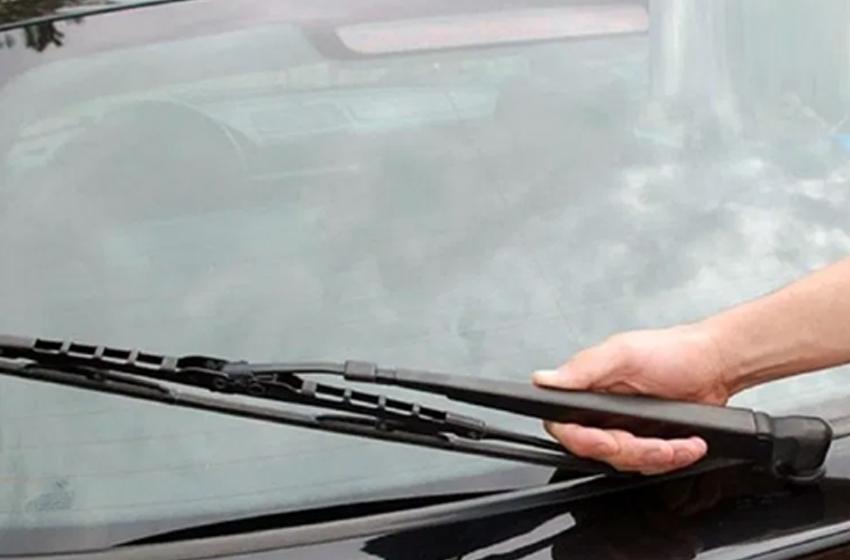 7 Cara Ampuh Merawat Alat Pembersih Kaca Mobil agar Lebih Tahan Lama!