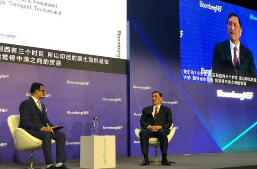 Menko Kemaritiman dan Investasi  Luhut Binsar Pandjaitan dalam Forum Bloomberg di Shanghai, China, Rabu (4/12/2019). (Foto: Kemenko Kemaritiman dan Investasi)