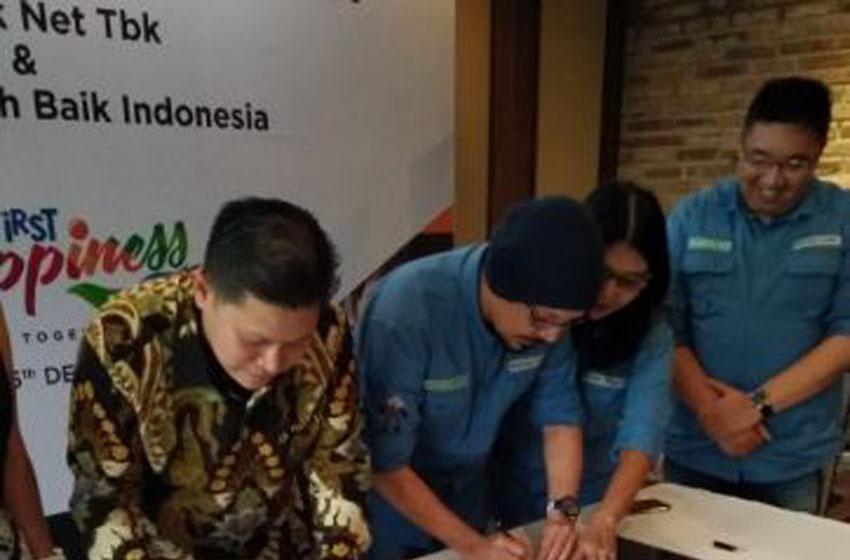 Penandatanganan kerjasama First Media dan Benihbaik.com—foto ipik tanoyo
