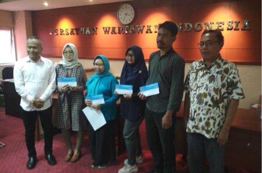 Staf Sekretariat PWI Terdampak Banjir Terima Bantuan