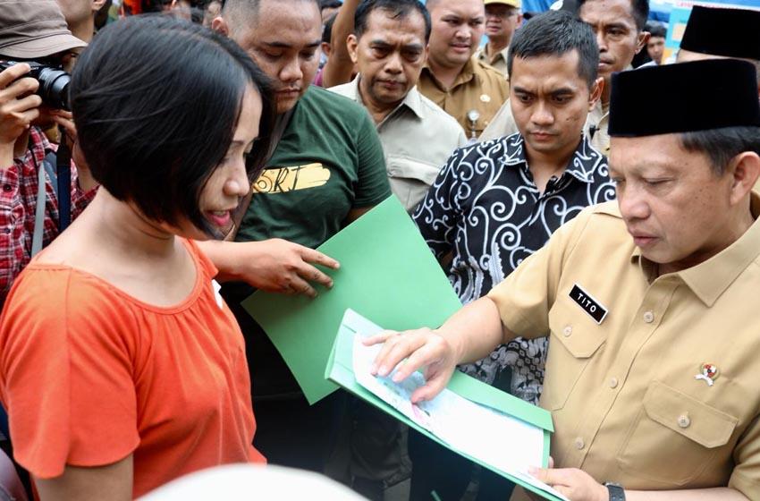 Mendagri Tito:  Jangan Persulit Pengurusan Adminduk Korban Bencana