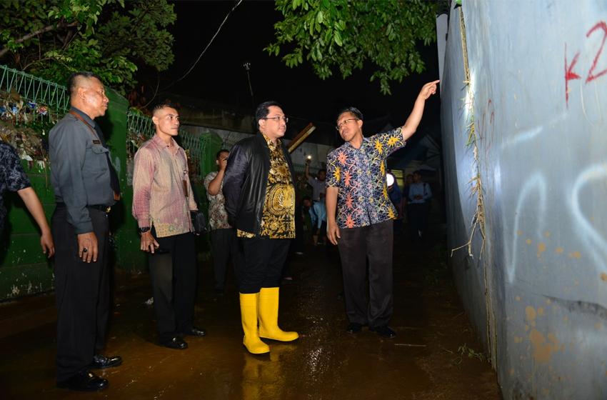 Ketua BPK Kunjungi Korban Banjir