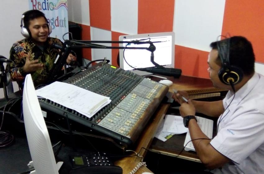Said Achmad Kabiru Rafiie, SE, MBA saat diundang dalam acara millenial talk on air Radio RRI. (Foto. Ist)