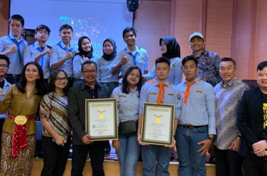 Muri Beri Penghargaan pada Para Pelajar yang Berhasil Taklukan Gunung Gunung Tertinggi di Dunia