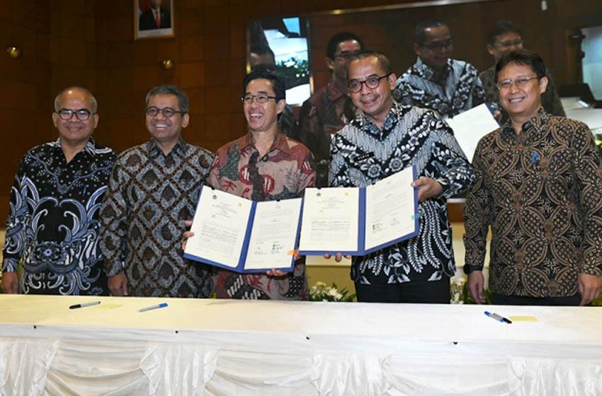 Wakil Menteri Keuangan (Wamenkeu) Suahasil Nazara dalam acara penandatanganan Nota Kesepahaman Integrasi Data Perpajakan di Kantor Pusat PLN, Jakarta—foto kemenkeu