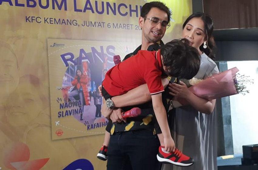Raffi, Nagita dan Rafathar Bikin Album Keluarga