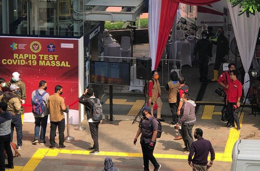 Rapid Test Massal di Kawasan MRT Blok M Jakarta