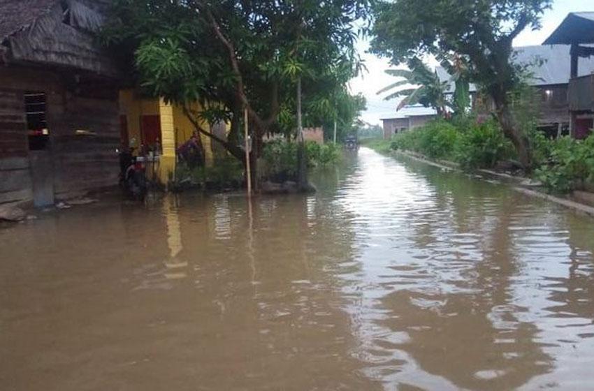 Salah satu bencana banjir yang terjadi di Kabupaten Polewali Mandar, Provinsi Sulawesi Barat (22/5) (BPBD Kab. Polewali Mandar)