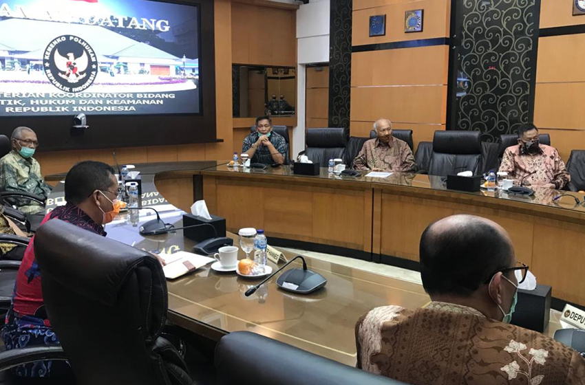 Purnawirawan TNI Rindu Jokowi