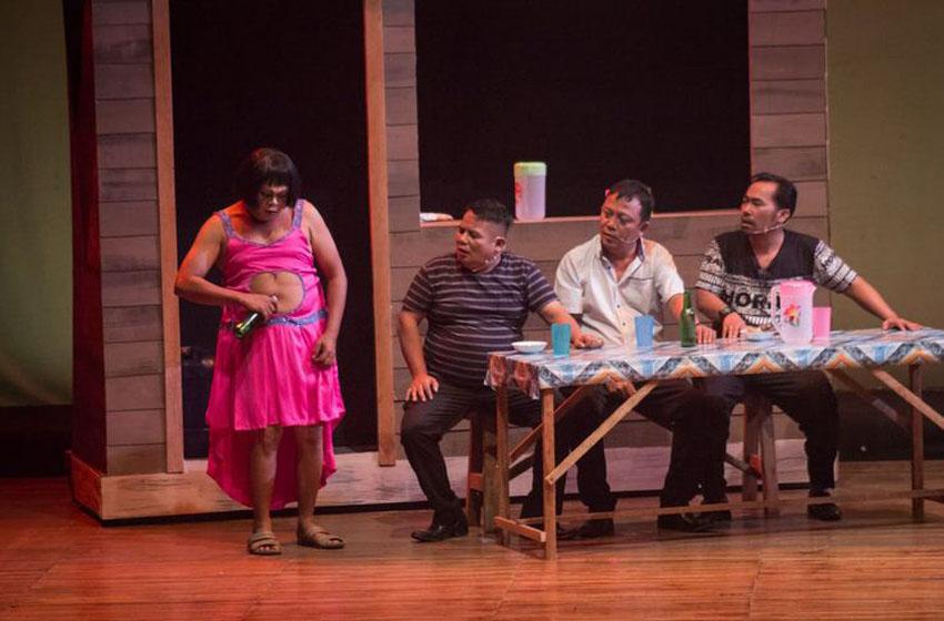 Nonton Teater 'Preman Parlente' di RumahAja'