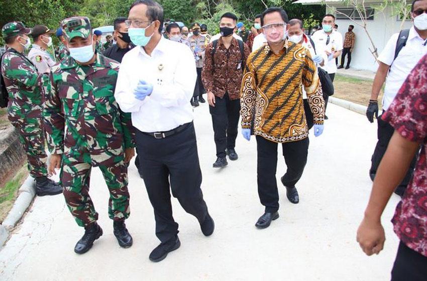 Menkopolhukam dan Mendagri tinjau RSKI Pulau Galang Batam–foto puspen kemendagri
