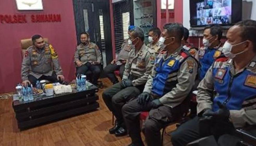 Bhabinkamtibmas Surabaya Ujung Tombak Penanggulangan Covid-19 di Tingkat RW