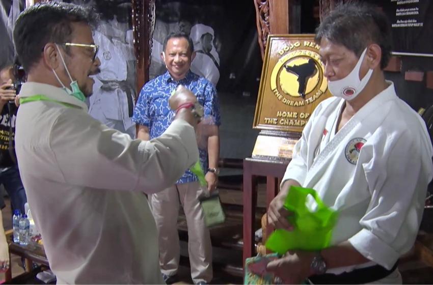 "Menteri Pertanian Syahrul Yassin Limpo dan Prof Hermawan ""Kikiek"" Sulistyo, (foto: dok Dojo Renzo)"