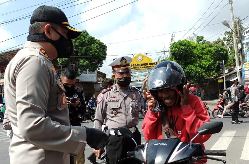 Ribuan Pengendara Terjaring Tak Pakai Masker