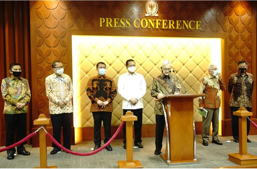 Try Sutrisno dan Purnawirawan TNI Berharap RUU PIP Jadi Undang-Undang
