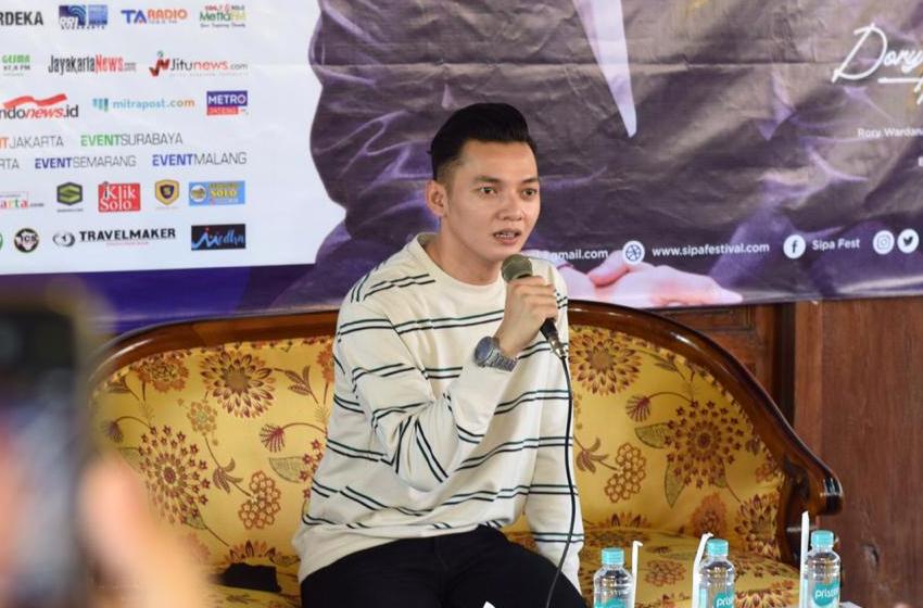 Ibarat Topeng, Dory Harsa adalah Panji