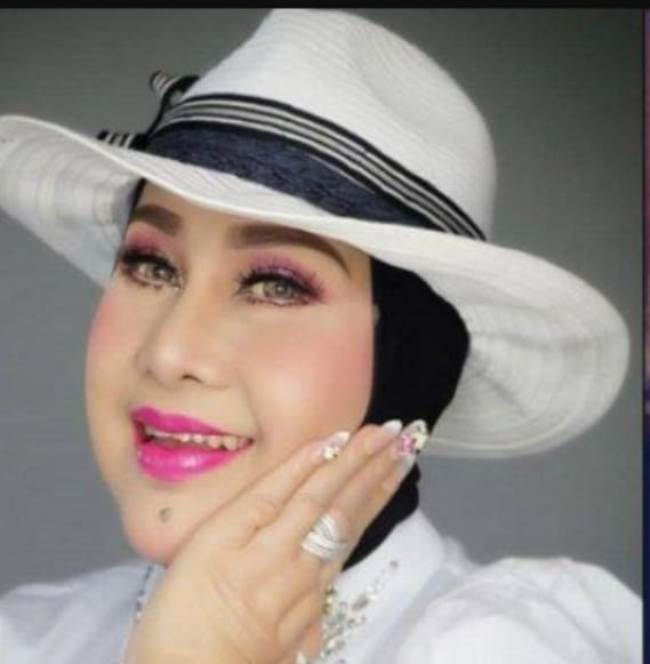Elvy Sukaesih, tetap cantik di usia 69 tahun (foto : Istimewa).