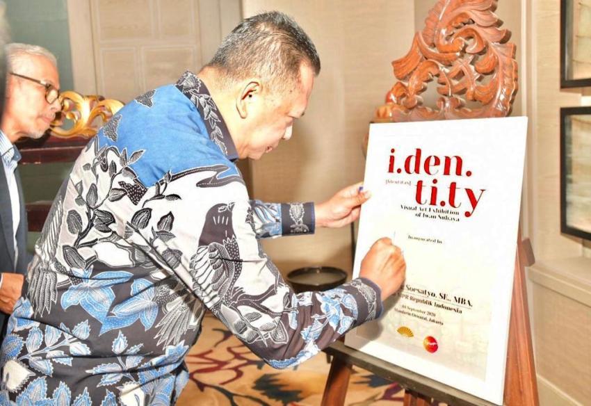 Ketua MPR Buka Pameran Tunggal Iwan Suhaya