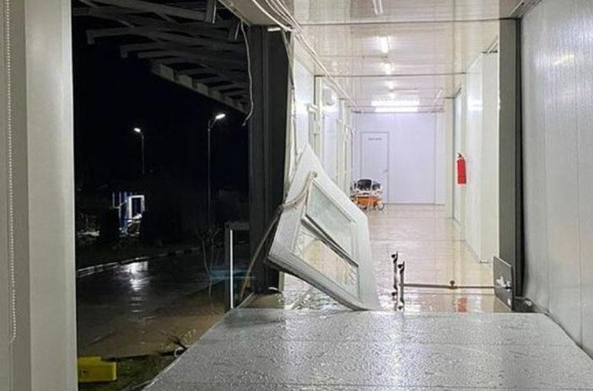 Rumah Sakit (RS) Darurat Covid 19 Pulau Galang rusak akibat terjangan angin kencang pada Kamis (17/9). Kondisi terkini tengah dilakukan perbaikan, rencananya selesai hari ini, Jumat (18/9/2020)—foto Dok. RSKI Covid 19 Pulau Galang