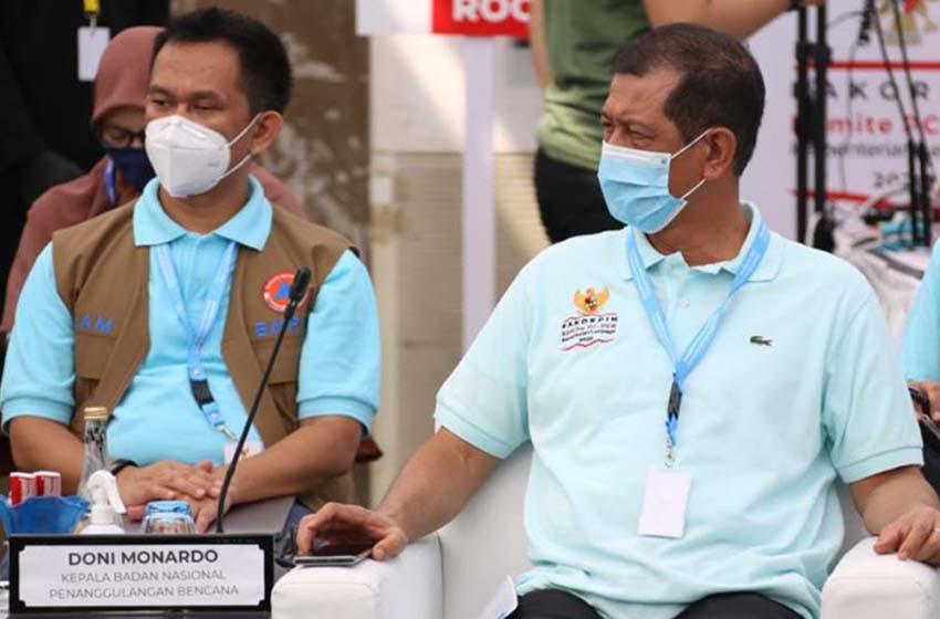 Kepala BNPB/Ketua Satgas Penanganan COVID-19 Nasional Doni Monardo (tengah) dalam Rapat Koordinasi Pimpinan (Rakorpim) Komite Penanganan COVID-19 dan Pemulihan Ekonomi Nasional (PC-PEN) dan Kementerian/Lembaga (K/L), di Kawasan Wisata Lagoi, Bintan, Kepulauan Riau, Jumat (25/9)—(Komunikasi Kebencanaan BNPB/Danung Arifin)