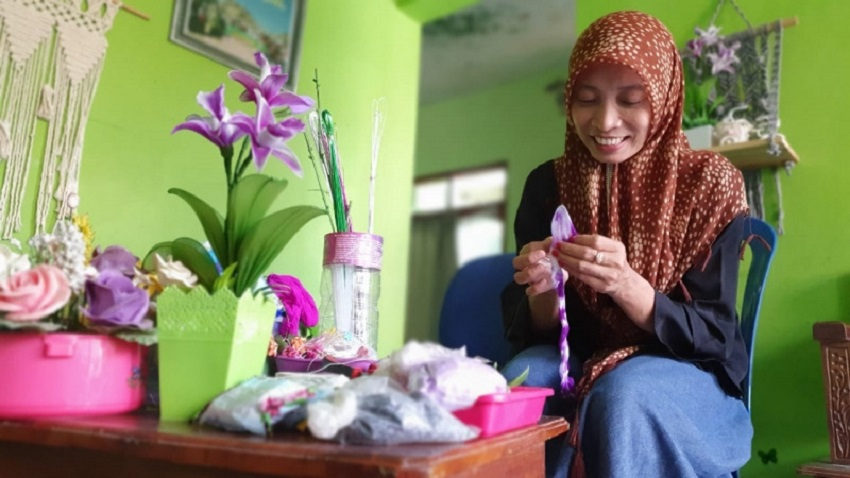 Bunga Itu Menghiasi Pasar Nusantara