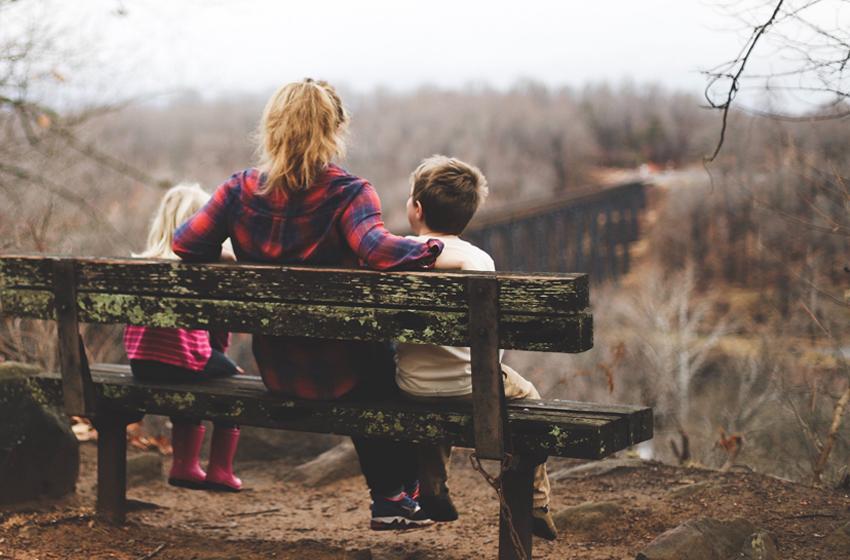 Perkenalkan Tiga Kata Ajaib untuk Si Kecil