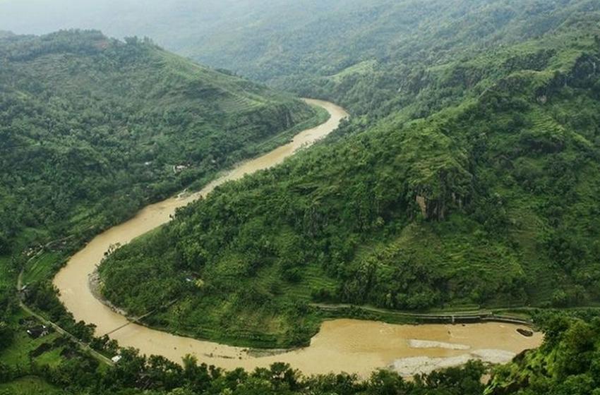 Sungai yang melintasi Gunung Kidul. (foto: national geographic-GRID-id)
