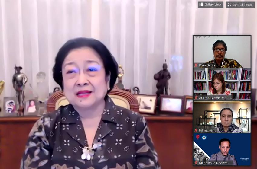 Megawati Soekarnoputri Bertanya tentang Pacar Bapaknya