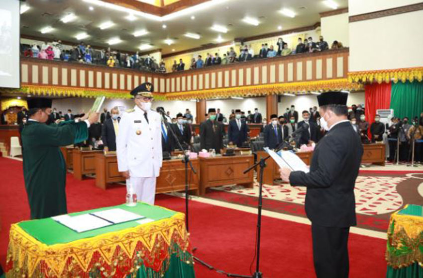 Mendagri Lantik Nova Iriansyah Sebagai Gubernur Aceh