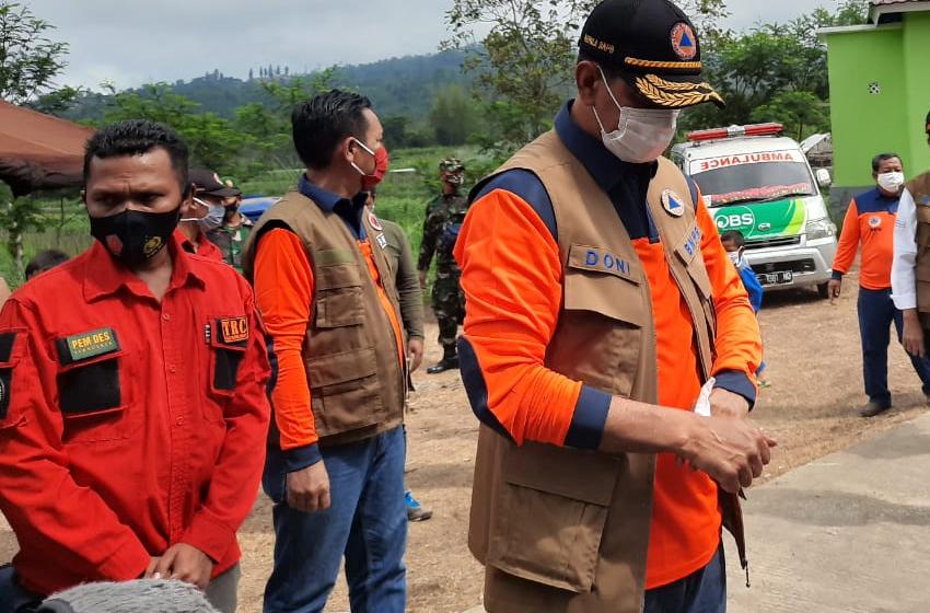 Tinjau Pengungsian Gunung Merapi di Boyolali, Kepala BNPB Ingatkan Protokol Kesehatan