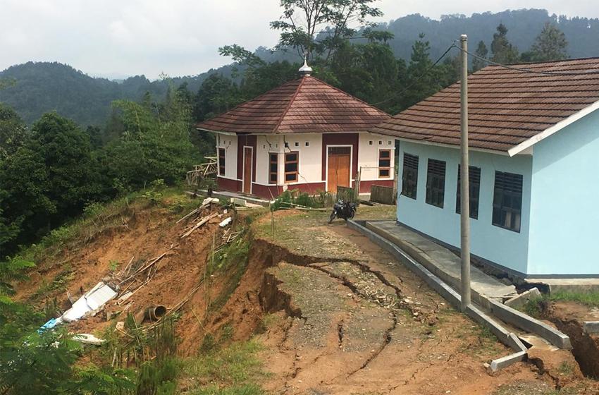 Longsor di Kebumen. (foto: BNPB)