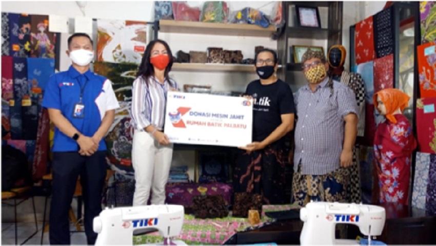 Peringati Hari Disabilitas Internasional, TIKI Serahkan 5 Unit Mesin Jahit untuk Rumah Batik Palbatu