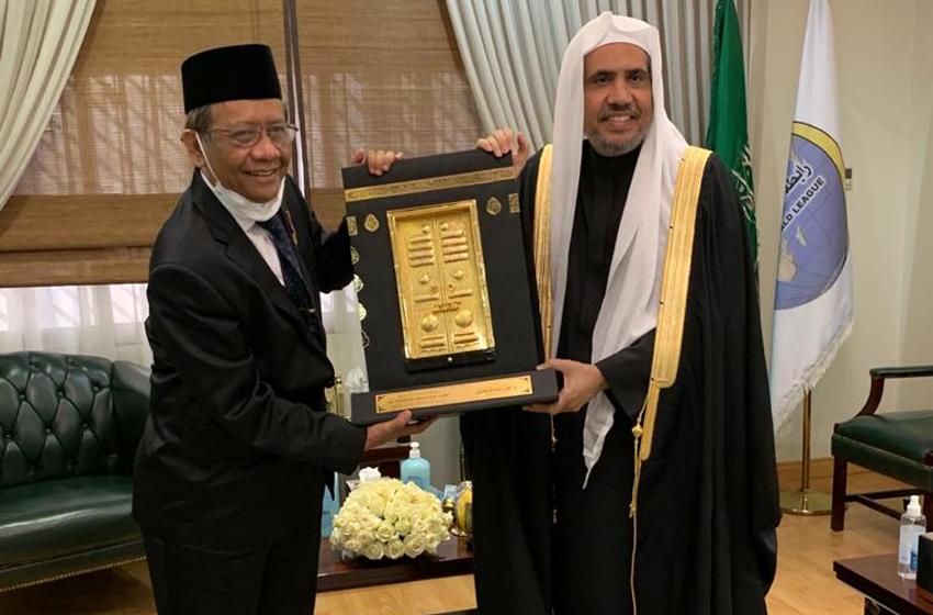 Menko Polhukam Mahfud MD Bertemu Sekjen Rabithah Alam Islami di Riyadh