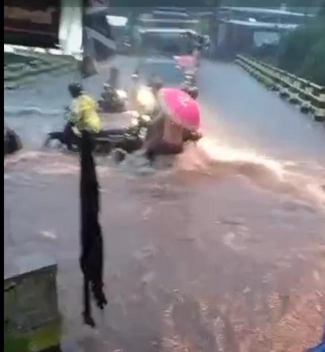 Banjir di Kota Malang Akibat Cuaca Ekstrem